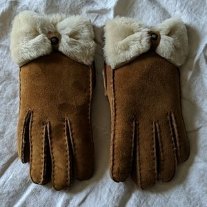 UGG shearling leather gloves